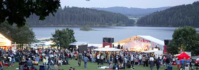 breites Foto Country-Festival